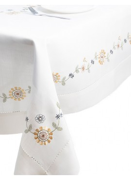 Machineembroidered tablecloth