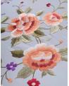 Mantón de manila bordado a mano en seda natural